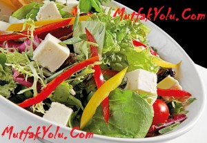 Nefis Akdeniz Salatası