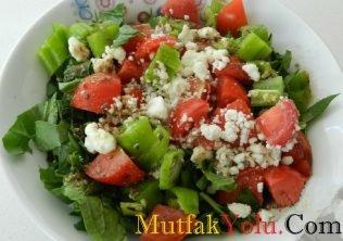 cevizli-peynirli-diyet-roka-salatasi-tarifi.jpg