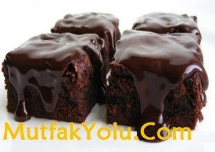 cikolata-soslu-kek-tarif.jpg