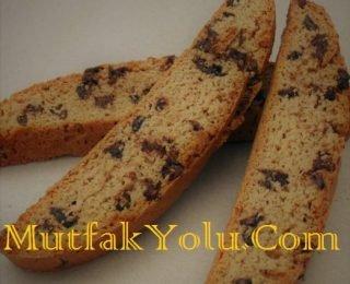 cikolatali-bademli-kurabiye.jpg