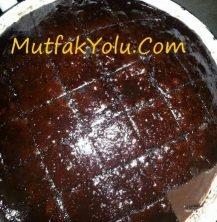 cikolatali-islak-kek-tarifi.jpg