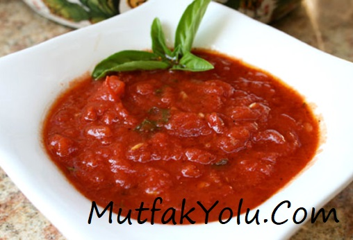 domates-sosu-yapilisi-tarifi.jpg