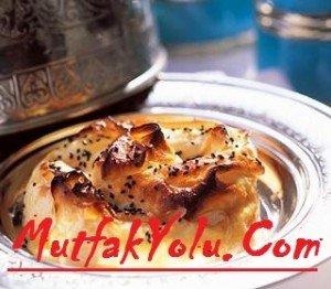 patatesli-gül-böreği-yapılışı