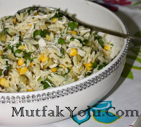 tavuklu-arpa-sehriye-salatasi-tarifi.jpg