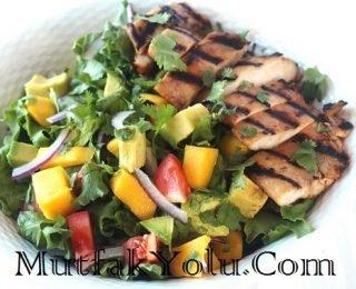 tavuklu-avokado-salata-tarifi.jpg