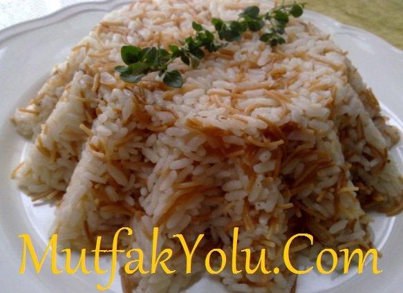 tel-sehriyeli-pirinc-pilavi-yapilisi